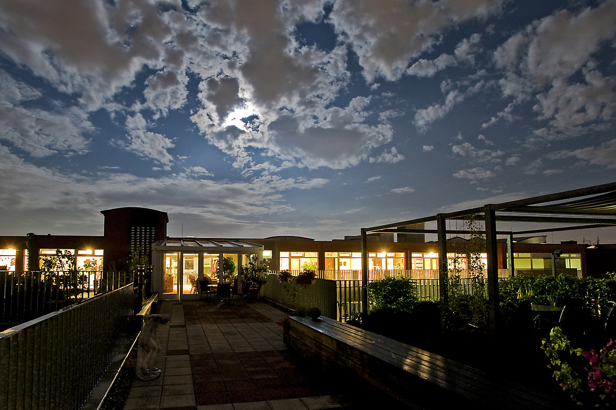 Nachtaufnahme vom Ricam Hospiz